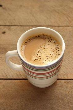 Simple Skinny Vanilla Latte Recipe By Simple Green Moms Skinny Vanilla Latte, Skinny Latte, Skinny Coffee, Healthy Coffee Drinks, Yummy Drinks, Refreshing Drinks, Cinnamon Dolce Latte, Starbucks Pumpkin, Starbucks Vanilla