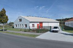 Logistikzentrum RWS mit überstehendem Dachvorsprung und Büroeinbau #Lagerzelte #Industriehalle #Stahlhalle