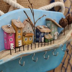 Driftwood Crafts, Pallet Crafts, Wooden Crafts, Small Wooden House, Wooden Houses, Driftwood Sculpture, House Ornaments, Rock Crafts, Little Houses