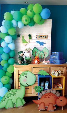 Happy Birthday B, Boys First Birthday Party Ideas, Jungle Theme Birthday, Baby Boy 1st Birthday, Dinosaur Birthday Party, Die Dinos Baby, Baby Dinosaurs, Dinosaur Party Decorations, Diy Birthday Decorations