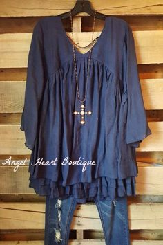 6f0d0746d4 A gorgeous multi layer ruffle tunic with 3 4 sleeves. 68% Rayon 32