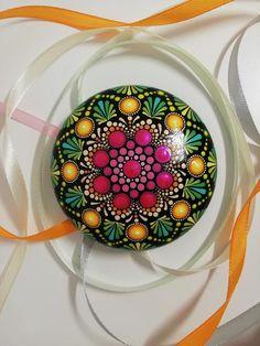 Mandala Rocks, Mandala Art, Dot Painting, Stone Painting, Painted Rocks, Hand Painted, Chakra Healing Stones, Artificial Stone, Rock Painting Ideas Easy