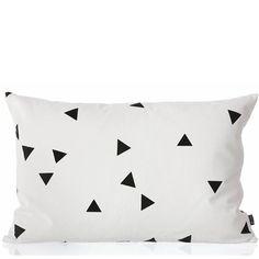 Black Mini Triangle Cushion Kussen Zwart/Wit - Ferm Living Black Mini Triangle Cushion Kussen Zwart/Wit - Ferm Living
