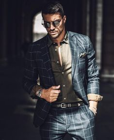 Look hot for your girl: The best outfit ideas for men on Valentines day Suit Fashion, Fashion Outfits, Fashion Edgy, Fashionable Outfits, Womens Fashion, Boy Christening Outfit, Italian Men, Male Model, Dapper Men