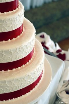 Red and White Cake in elegant styling. #MyrtleBeachWeddings