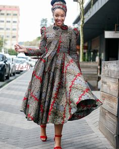 Stha Dress All sizes available Available ONLINE Whatsap Ankara Dress Styles, African Wear Dresses, African Attire, Casual Dresses Plus Size, Short Dresses, Little Dresses, African Patterns, African Prints, Clothes