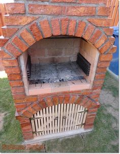 Barbecue Design 2020 - Can you use normal bricks for a BBQ Outdoor Fireplace Patio, Outside Fireplace, Barbecue Design, Barbecue Grill, Fire Pit Grill, Fire Pit Backyard, Braun Design, Brick Bbq, Garden Cabins