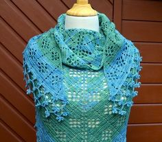 Crochet shawl pattern: fruity shawl