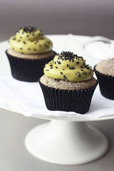 This recipe was tested - interesting combinations, really like the black sesame cake and the flavours come together beautifully! Black Sesame Matcha Cupcakes by Xiaolu // 6 Bittersweets