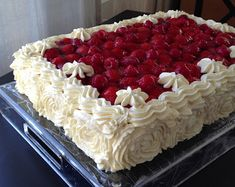 Raspberry, Strawberry, Charcuterie Board, Donuts, Delicious Desserts, Takana, Cake Decorating, Muffins, Berries