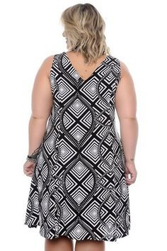 Vestido Plus Size Hebe Curvy Outfits, Plus Size Outfits, Curvy Fashion, Plus Size Fashion, Box Braids Hairstyles For Black Women, Vestidos Plus Size, Fairytale Dress, Moda Plus Size, Dress Sewing Patterns