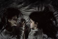 She sleeps in my bed   par Megan Glc Photographe