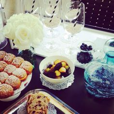 Blueberry-me ! Our brunch to featured our POOLSIDE UTOPIA SS2015 collection Walking Closet, Blueberry, Table Settings, Brunch, Table Decorations, Collection, Home Decor, Berry, Decoration Home