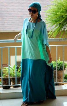 Maxi Kleid Schattierungen von grün Kaftan von SaudadeSun