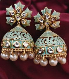 Jewellery For Wedding Gold Jhumka Earrings, Jewelry Design Earrings, Gold Earrings Designs, Indian Earrings, Antique Earrings, Clay Jewelry, Fancy Jewellery, Stylish Jewelry, Fashion Jewelry