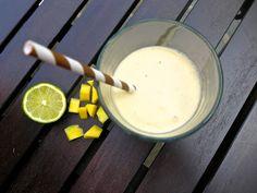 the preppy paleo: Paleo Mango, Coconut & Lime Smoothie