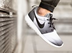 dc182a3df642 JUST LIFE STYLE™®  Nike Roshe Run Print Black   White   Cool Grey