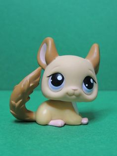 light brown Chinchilla purple eyes LPS Littlest Pet Shop Figurine Figure Accessoires Lps, Rare Lps, Lps Accessories, Lps Toys, Lps Littlest Pet Shop, Little Pet Shop, Chinchillas, Eva Green, Birthday List