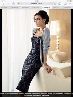 Victoria Beckham's lace corset dress =perfect little black dress David E Victoria Beckham, Style Victoria Beckham, Victoria Style, Style Work, Mode Style, Look Fashion, Fashion Beauty, Womens Fashion, Fashion Trends