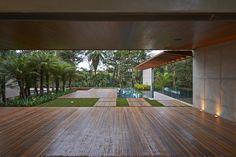 Residência Bosque da Ribeira / Anastasia Arquitetos