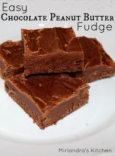 Easy Chocolate Peanut Butter Fudge Easy Chocolate Peanut Butter Fudge that you can make in 15 minutes with no candy thermometer. Anybody can make this creamy, rich treat. Try it with kids! Fudge Recipes, Candy Recipes, Sweet Recipes, Dessert Recipes, Yummy Recipes, Snack Recipes, Baking Desserts, Donut Recipes, Cheesecake Recipes