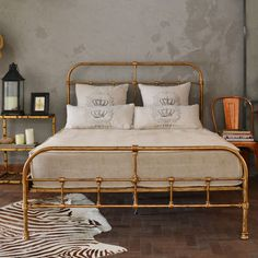 Cama Casal Padrao Haras Classica Cozy Small Bedrooms, Small Room Bedroom, Home Bedroom, Bedroom Decor, Bedding Inspiration, Bed Styling, Apartment Interior, New Room, House Rooms
