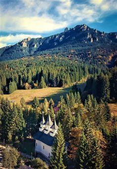 Turism Romania, Romania Travel, Mountains, Country, Nature, Naturaleza, Rural Area, Country Music, Nature Illustration