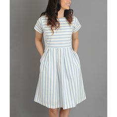Journey Five Blue & White Stripe Pleated Scoop Neck Dress (130 BRL) ❤ liked on Polyvore featuring dresses, short sleeve dress, blue and white dress, vintage day dress, striped dress and full pleated skirt