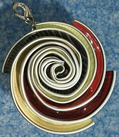 Ciondolo creato con le cialde del caffè ~ Mara1000idee