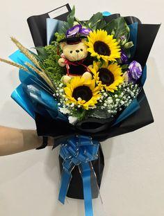 #Graduation #Bouquet  #我终于毕业啦 #那些年美好回忆 #前程似锦 #勇往直前 #美好未来 #太阳花 #毕业熊 #花束 #鲜花 #满天星 #欧式 #韩式 #设计 #预订 #大束 #大体 #HandBouquet #Babybreath #Rose #JohorBahru #Johor #JohorJaya #Florist #小天使花屋 #AngelFloristGiftCentre #新山花店 #花店 #新山 #柔佛 #Wechat #WhatsApp 010-6608200