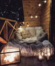 Possible sur un petit balcon parisien de ? 🤷♀️🤞SO Balkon - Balkon - Design Cute Room Decor, Teen Room Decor, Cozy Room, Cozy Reading Rooms, Reading Nooks, Dream Rooms, Room Inspiration, Sweet Home, Home Decor