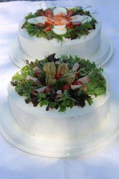Tarun Taikakakut: Kinkkuvoileipäkakku ja Kalavoileipäkakku Sandwich Cake, Sandwiches, Savoury Baking, Cheesecakes, Panna Cotta, Cake Recipes, Cake Decorating, Food And Drink, Appetizers