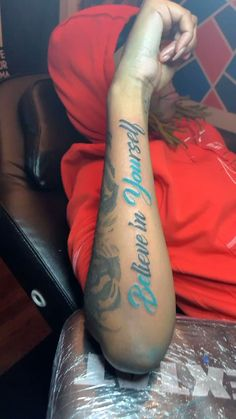 Stomach Tattoos Women, Dope Tattoos For Women, Tattoos For Guys Badass, Black Girls With Tattoos, Sleeve Tattoos For Women, Small Girly Tattoos, Hand Tattoos For Girls, Cute Hand Tattoos, Baby Tattoos