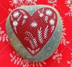 80 romantic valentine painted rocks ideas diy for girl Heart Painting, Pebble Painting, Pebble Art, Stone Painting, Pebble Mosaic, Painted River Rocks, Hand Painted Rocks, Painted Stones, Painted Pebbles