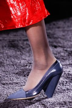 319b96279cbd Nina Ricci Fall 2016 Ready-to-Wear Accessories Photos - Vogue Nina Ricci
