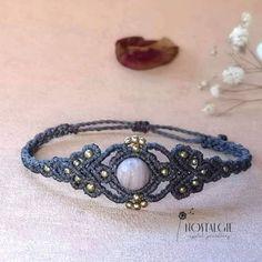 Micro Macrame Tutorial, Macrame Bracelet Patterns, Macrame Bracelet Tutorial, Macrame Patterns, Macrame Bracelets, Macrame Knots, Loom Bracelets, Crochet Bracelet, Jewelry Stand