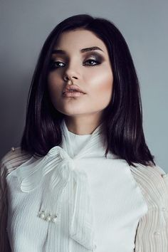 © andreeaiancu.com // beauty portrait, studio, indoors, natural light, diffuse,, fashion, photography, skin retouch, make-up by Cristina Foit, model Manuela TIcarat