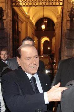 """Le """"cene eleganti"""" di Berlusconi pagate con soldi pubblici   Gossip di Palazzo - Yahoo! Notizie Italia"""