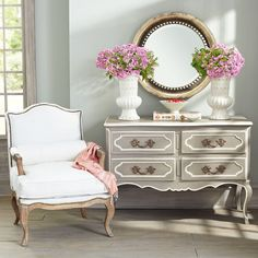 W8826 Versailles Chest of Drawers