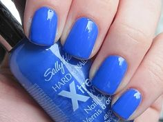 Nail Polish of the Moment: Sally Hansen Pacific Blue