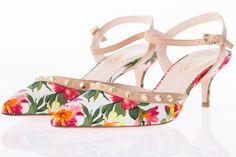 Floral heels with gold studs, BROWNS, $298 * Talons hauts fleuris à clous or, BROWNS, 298$