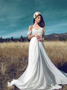 Ivory Off-the-shoulder Floral Applique Versatile A-line Romantic Wedding Dress Open Back