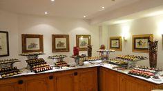 #TUI #Robinsonclub #Marioschiller #Foodporn #Smilejob #smilestory Robinson Club, Food Presentation, Finger Foods, Buffet, Food Porn, Kitchen Cabinets, Home Decor, Decoration Home, Room Decor