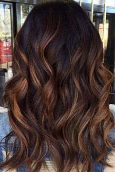 Fantastic Balayage Hair Styles That You Get With Minimal Spending ★ See more: http://lovehairstyles.com/balayage-hair-brown-caramel-tones/