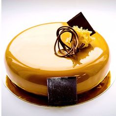 Another of my favorite pictures from my classes in 2015 by @darkzip Bachour's Workshop in Russia at @conditoria , gianduja and Passion fruit entremet #antoniobachour #bachour1234