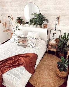 Room Ideas Bedroom, Home Decor Bedroom, Bedroom Tv Wall, Bedroom Inspo, Bedroom Plants, Design Bedroom, Budget Bedroom, Bohemian Bedroom Decor, Boho Bedrooms Ideas