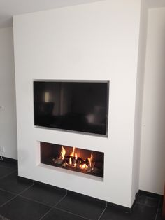 Best Photo Fireplace Remodel tv above Strategies – Rebel Without Applause Painted Fireplace Mantels, Fireplace Tv Wall, Linear Fireplace, Wall Mount Electric Fireplace, Fireplace Remodel, Modern Fireplace, Fireplace Design, Living Room Tv, Living Room With Fireplace