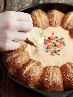 Warm Skillet Pretzels Rolls and Mexican Cheese Dip #appetizer #gameday