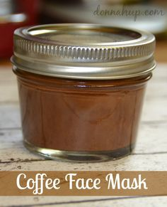 DIY Coffee Face Mask Recipe Here are step by step instructions for a DIY Coffee Face Mask. It smells fantastic and is so easy to make. You probably have all the ingredients at home. Clay Face Mask, Easy Face Masks, Face Mask Diy, Face Scrub Homemade, Homemade Face Masks, Homemade Moisturizer, Homemade Facials, Coffee Face Mask, Diy Coffee Face Scrub