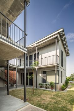 Vermani House / Eleena Jamil Architect